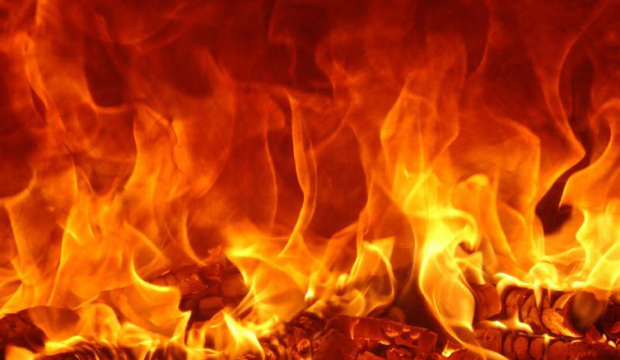 Property worth Rs 20 million gutted by fire at two cloth stores in Golbazar