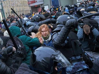 Police arrest thousands of Protestors in Russia