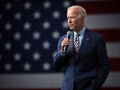 President Biden fine after slight stumble on stairs while boarding Air Force One