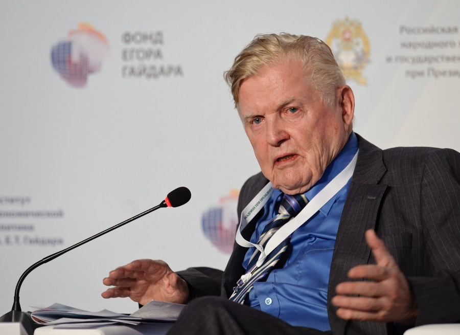 Nobel Prize winning economist Robert Mundell dies at 88