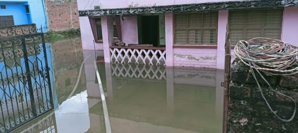 A flood survivor of Itahari tells his story of city floods