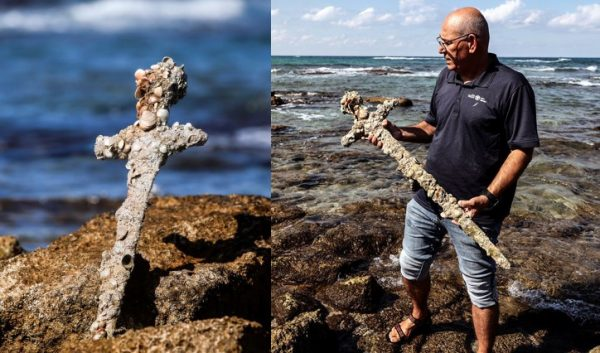 """Israeli scuba diver discovers """"rare"""" ancient sword in Mediterranean seabed"""